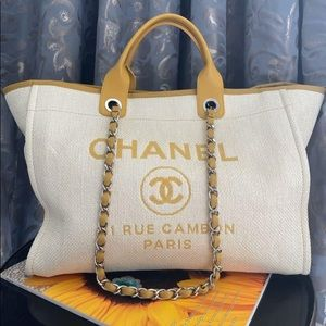 Chanel large Deauville Bag